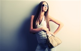 Preview wallpaper Long hair fashion girl, sunglasses, handbag