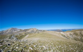 Aperçu fond d'écran Sommet de la montagne, rochers, ciel bleu