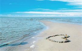 预览壁纸 大海,沙滩,石头,爱的心