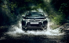 Preview wallpaper Mitsubishi Pajero SUV car front view, water splash, creek