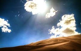 Пустыня, облака, солнце, жарко