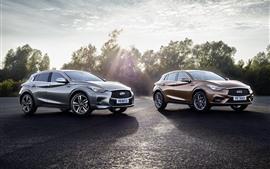 Автомобили Infiniti Q30S, солнечный свет