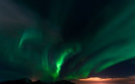 Preview wallpaper Beautiful northern light, sunset, stars, glow