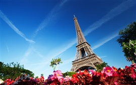Preview wallpaper Eiffel Tower, blue sky, France