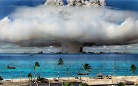 Preview wallpaper Nuclear explosion, mushroom cloud, sea