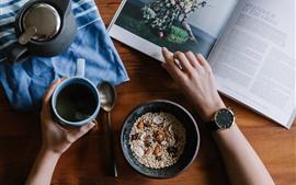 Desayuno, revista, té, mano, reloj