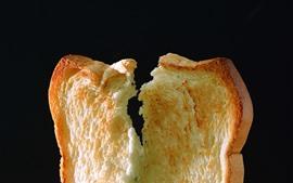 Pan de una pieza, fondo negro