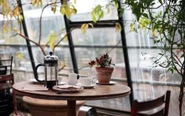 Café, mesa, janela, plantas