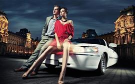 Девушка моды и мальчик, автомобиль