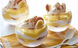 Фруктовый десерт, банан, стеклянная чашка