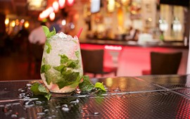 Preview wallpaper Mojito, drinks, ice, hazy background