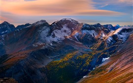 Aperçu fond d'écran Montagnes, pic, neige, arbres, crépuscule