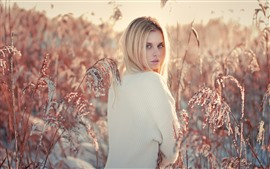 Preview wallpaper Blonde girl look back, reed, snow, winter