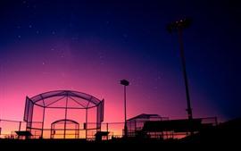 Ночь, стеклянное здание, звезды, фиолетовое небо
