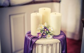 미리보기 배경 화면 흰색 촛불과 꽃, 테이블