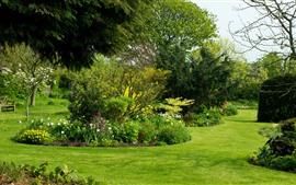 Aperçu fond d'écran Royaume-Uni, jardin, arbres, fleurs, pré