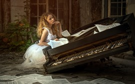 Blonde girl, piano, music