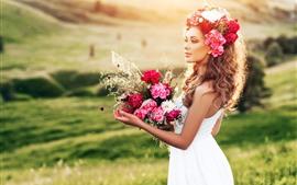 Falda blanca, flores, ramo, hierba, verano.