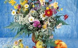 预览壁纸 七彩花朵,花瓶,苹果
