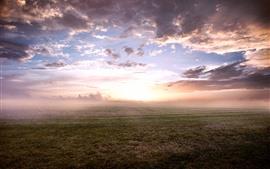 Aperçu fond d'écran Sunrise, brouillard, matin, herbe, nuages