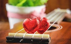 Aperçu fond d'écran Deux bonbons de coeur d'amour, guitare, romantique