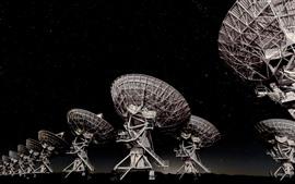 Aperçu fond d'écran Antenne, nuit, étoiles, ciel