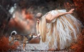 Chica rubia y perro, falda, otoño