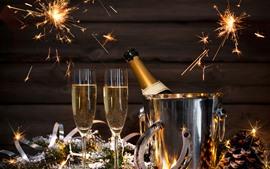 壁紙のプレビュー シャンパン、ゴールデン、ガラスカップ、スパーク、新年あけましておめでとうございます