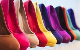 Разные цвета каблуки