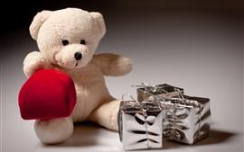 Oso de peluche y regalo