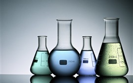 Aperçu fond d'écran Tubes à essai, liquides colorés, bouteilles de verre