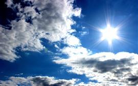 Aperçu fond d'écran Ciel bleu, nuages blancs, soleil, éblouissement