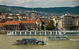 Hungría, Budapest, Río Danubio, Barcos, Ciudad