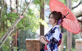 预览壁纸 微笑日本女孩,和服,雨伞
