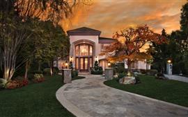 Aperçu fond d'écran Villa, maison, manoir, arbres, lumières, jardin, nuit