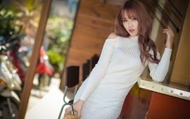 預覽桌布 亞洲女孩,白色毛衣,姿勢