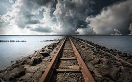 Ferrocarril, lago, nubes, tormenta