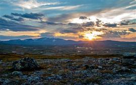 Aperçu fond d'écran Suède, coucher de soleil, montagnes, nuages, nature