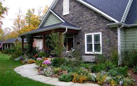 Aperçu fond d'écran Villa, maison, fleurs, herbe