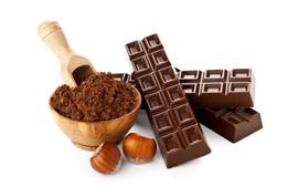 Шоколад, конфеты, какао, порошок, фундуки, белый фон