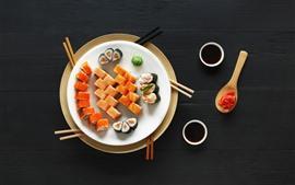 Японская еда, суши, васаби, черный фон