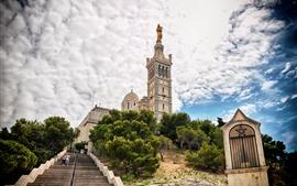 미리보기 배경 화면 마르세유, 프랑스, 나무, 계단, 하늘, 구름