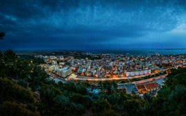Vorschau des Hintergrundbilder Spanien, Stadt, Küste, Bucht, Nacht, Häuser, Lichter, Wolken