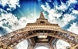 Aperçu fond d'écran Tour Eiffel, ciel bleu, nuages blancs, Paris