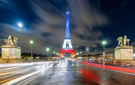Torre Eiffel, luzes coloridas, noite, estrada, paris, França
