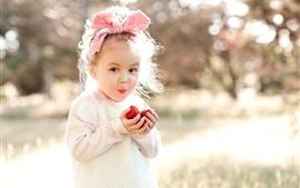 Vorschau des Hintergrundbilder Glückliches kleines Mädchen, Kind, Erdbeere, Sonnenschein, Blendung