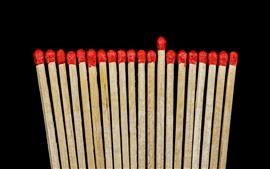 壁紙のプレビュー 赤のマッチ、黒の背景