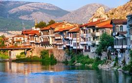 Turquía, Amasya, Casas, Río, Puente, Montañas