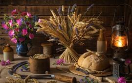 Trigo, flores, pão, lanterna, ainda vida