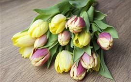 Желтые и фиолетовые тюльпаны, цветы, букет
